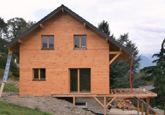 maison passive 1440 pontcharra la chapelle blanche 73 savoie maison ossature bois. Black Bedroom Furniture Sets. Home Design Ideas